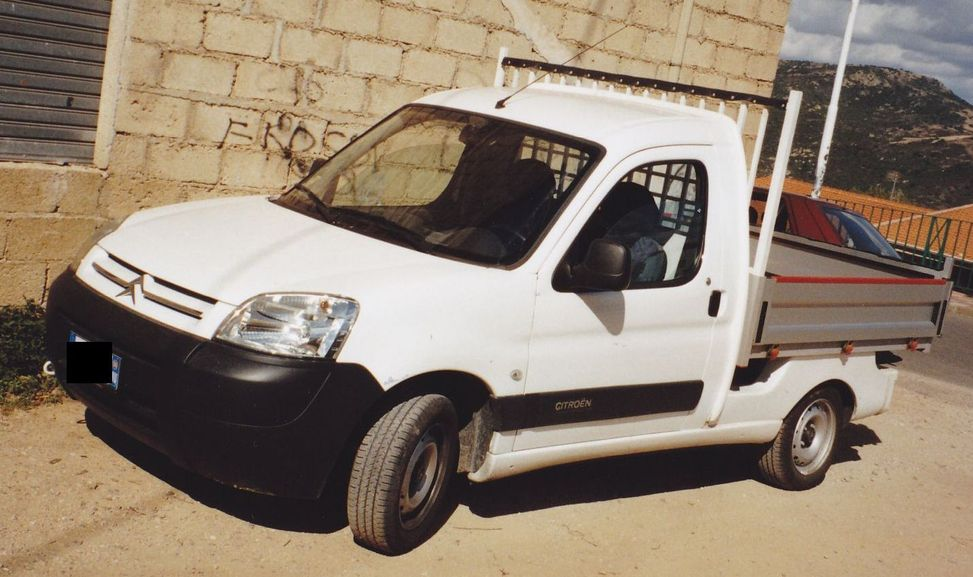 citroen berlingo pick up france utilitaire camionette de livraison citro n france. Black Bedroom Furniture Sets. Home Design Ideas