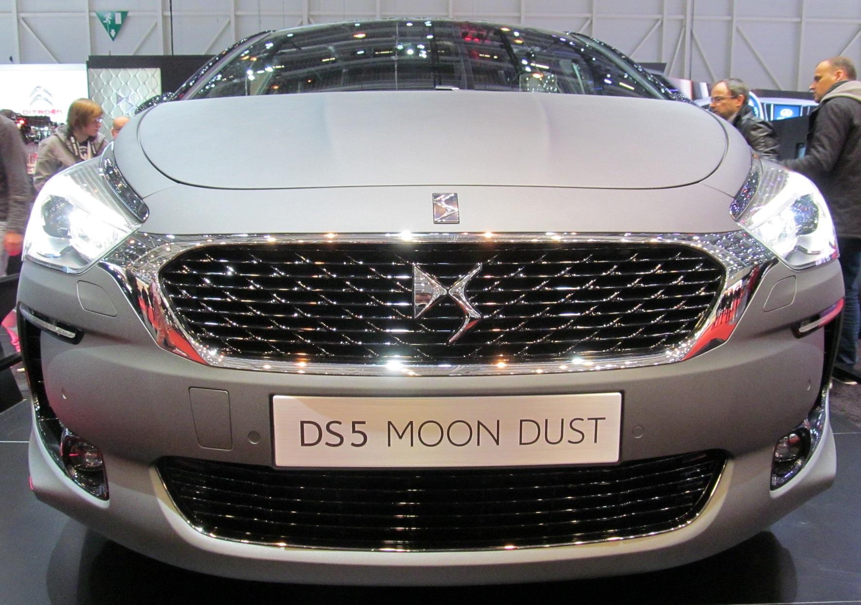 ds5 moon dust citroen salon de l 39 automobile geneve citro n france autoalmanach. Black Bedroom Furniture Sets. Home Design Ideas
