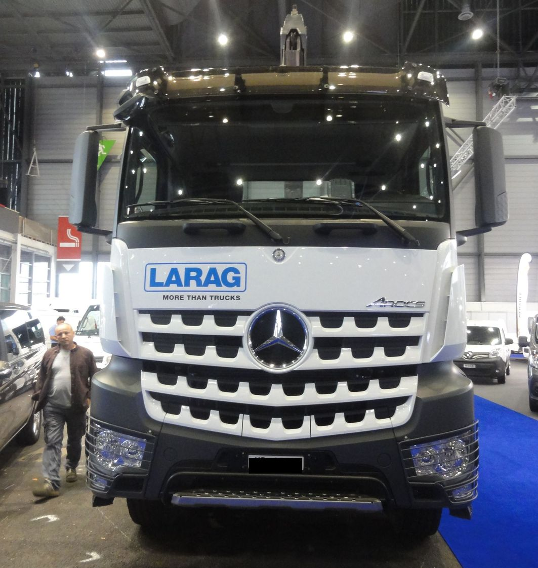 Autoalmanach les rubriques camion poids lourds site for Mercedes benz website germany