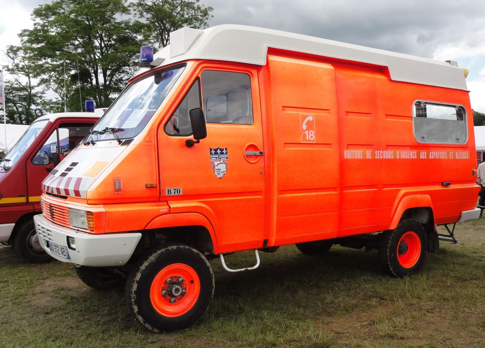 renault rvi b70 4x4 france locomotion en fete cerny pompiers pompiers renault trucks f. Black Bedroom Furniture Sets. Home Design Ideas