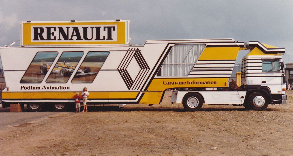 autoalmanach les marques renault trucks f site. Black Bedroom Furniture Sets. Home Design Ideas